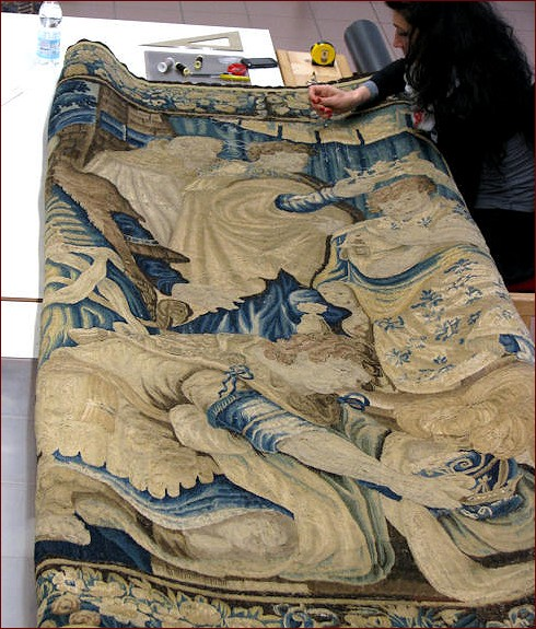 washing Tapestries , Complete guarantee when we wash your tapestries
