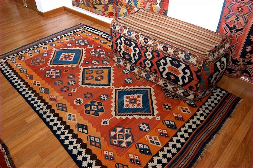 Showroom tappeti • La collezione di tappeti solo di prima ...