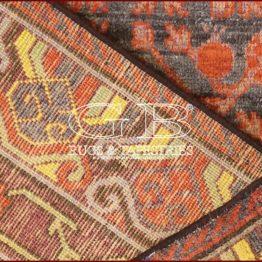alfombra khotan antiguo